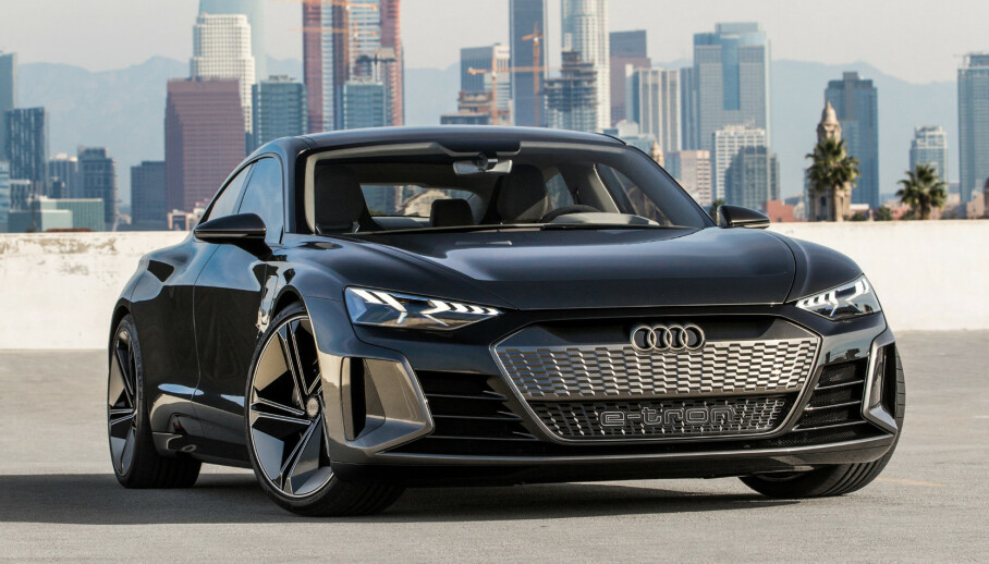 SVÆRT LIK: Designsjef Marc Lichte lover at produksjonsmodellen ikke avviker nevneverdig fra konseptbilen. Foto: Audi