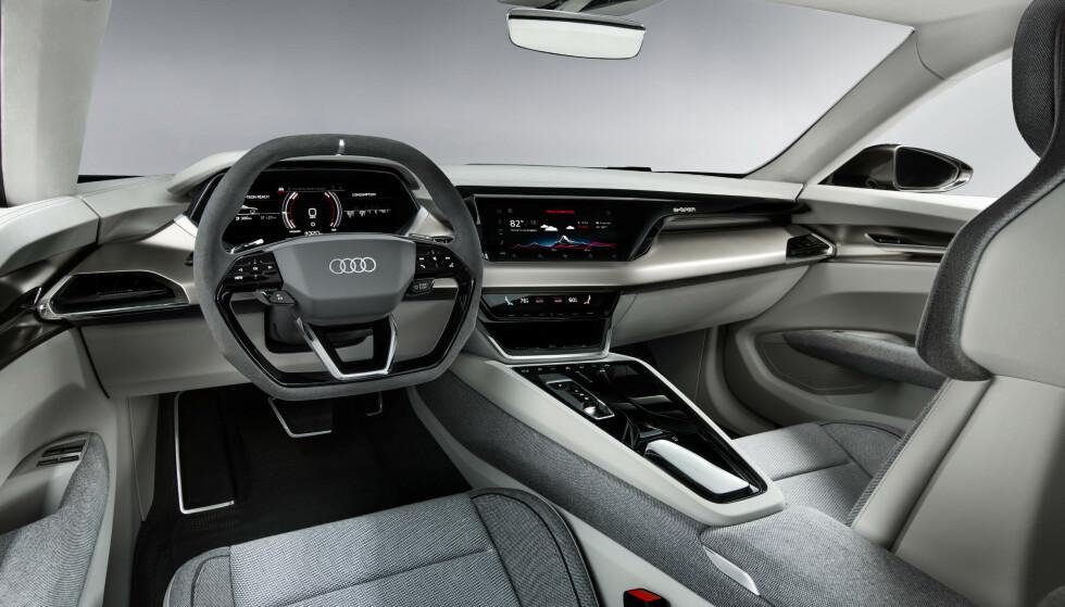 LINJELEKKER: Selv om linjene er endret, så kjenner vi igjen layout og funksjoner fra øvrige Audi. Foto: Audi