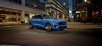 Mustang hamler opp med Model 3