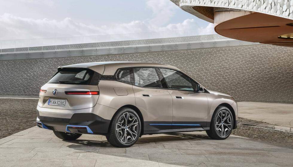 SAV, IKKE SUV: BMW iX er en Sport Activity Vehicle, i følge BMW. Foto: BMW