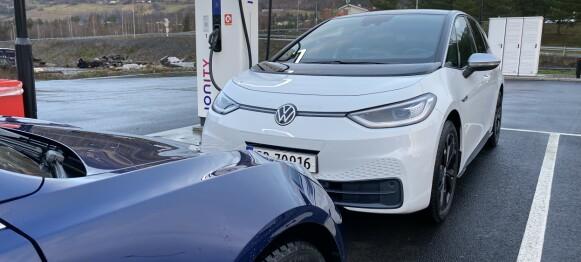 LESTESTEN: Tesla Model 3 mot VW ID.3