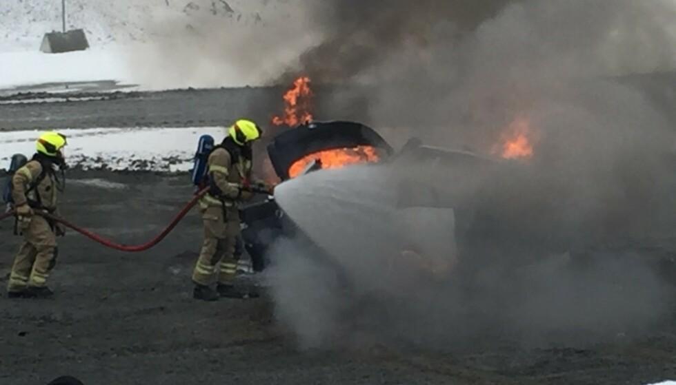 BRENNER SJELDNERE: Faren for brann i elbiler er vesentlig mindre enn i bensin- og dieselbiler, viser rapport. Illustrasjonsbilde: If Forsikring