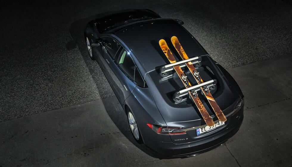 Sugekopper: Et takstativ med sugekopper kan brukes på så og si alle bilmodeller. Foto: VacuumRack