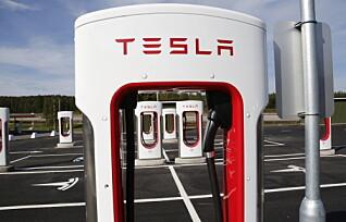 Her kommer det nye Tesla superladere