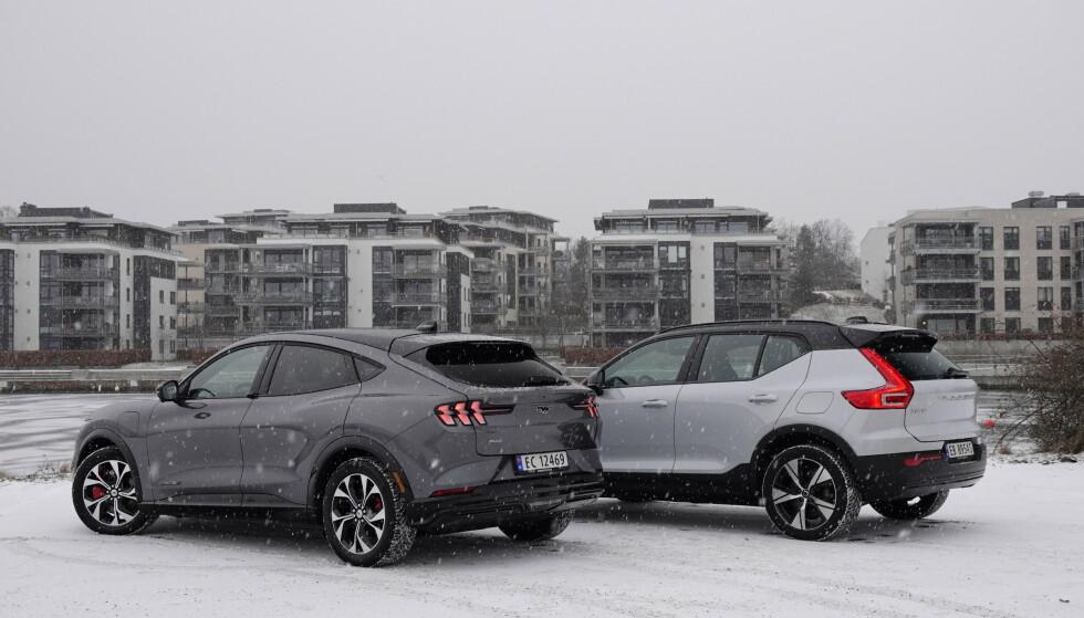 Vinterbiler: Begge har firehjulstrekk, og egner seg godt på norsk vinterføre. Foto: Fred Magne Skillebæk
