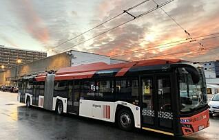 Elbussene i Bergen trenger ikke å stoppe for å lade