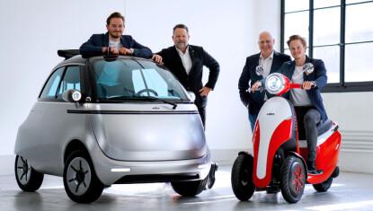 Microlino: Her er folkene bak prosjektet, sammen med bilen og en scooter som lages i samme serie. Foto: Produsenten