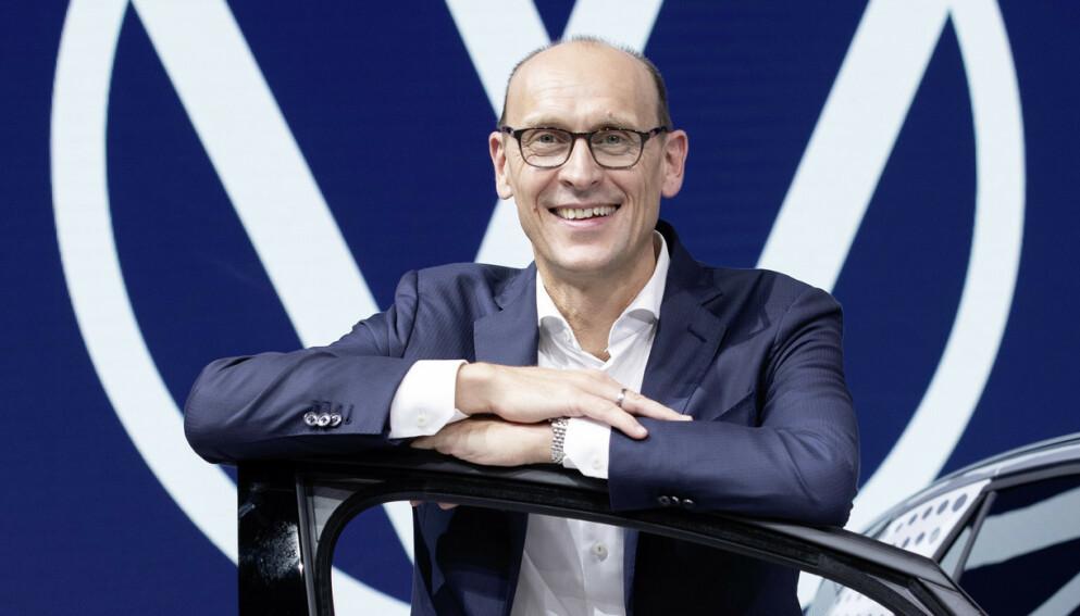 VW-SJEF: Ralf Brandstätter la fredag frem planene for store omstruktureringer i måten å lage biler på. Foto: VW