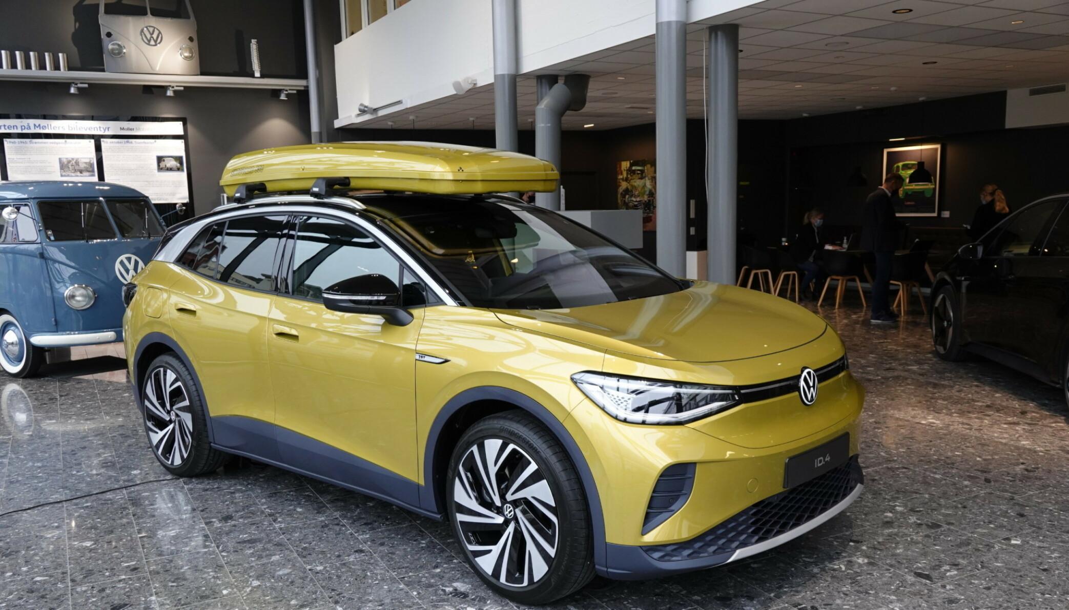 TAKLAST: Volkswagen ID.4 er en av elbilnyhetene som både får plass til mye bagasje, kan dra henger og ha taklast. Det er tre årsaker til at Volkswagen har store forventninger til den her i Norge. Foto: Fred Magne Skillebæk