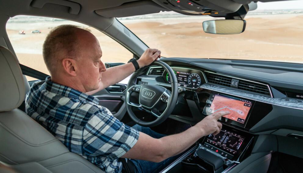 ELBIL-LANDET: Elbilandelen er større i Norge enn i noe annet land i verden, og vi ser oss ikke tilbake. Her fra vår test av fjorårets mest solgte bil, Audi e-tron. Foto: Elbil24