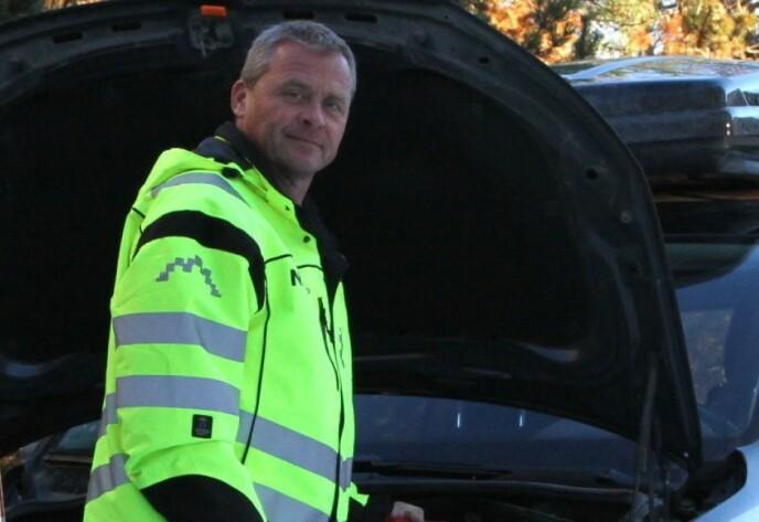VÆR ROLIG: Petter Schøyen hos Naf mener det er viktig å holde hodet kaldt når dyr blir sittende innelåst i bilen. Foto: Rune Korsvoll