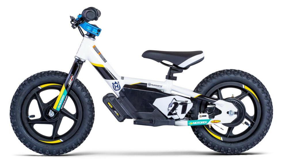 RACING: Designet er tydelig inspirert av Husqvarnas crossykler. Foto: Husqvarna