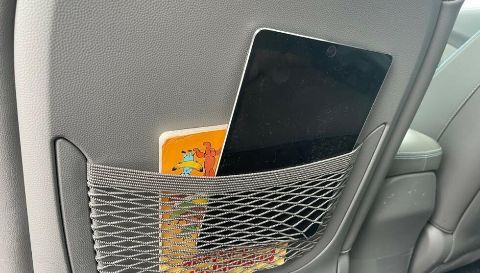 BRUKE SETELOMMEN: Putt bøker, nettbrett, mobiler og lignende i setelommen når de ikke er i bruk. Foto: Bjørn Eirik Loftås