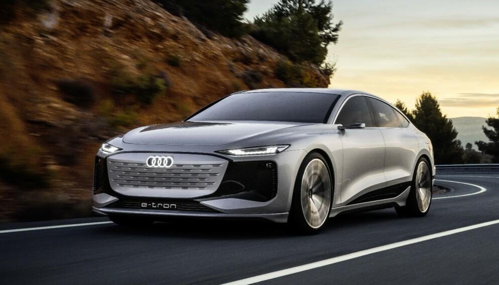 UMISKJENNELIG: Audi A6 e-tron blir en stor og luksuriøs bil med Sportback-linjer. Designslektskapet til A6 og A7 er tydelig, selv om Audi selv mener den markerer starten på et helt nytt designkonsept. Foto: Audi