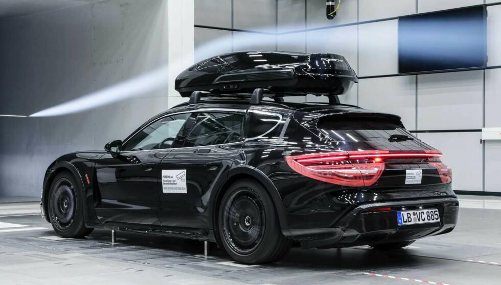 Takboks: En sportsbil bør ha en boks som står i stil. Her er vi litt usikre. Foto: Porsche
