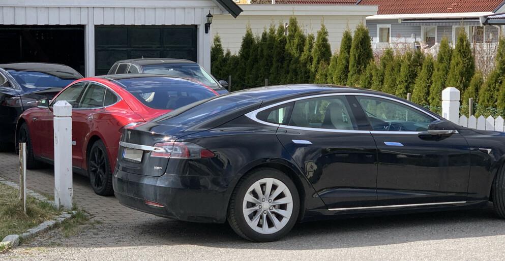 MODEL S: En programvareoppdatering til eldre Tesla Model S førte til at ladehastigheten gikk ned, ifølge en fersk dom fra forliksrådet. Foto: Bjørn Eirik Loftås