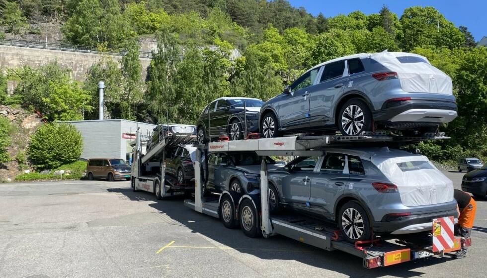 FØRSTE BATCH: Bilene som har kommet er presse- og demobiler, men Audi lover at de første kundebilene kommer i løpet av sommeren. Foto: Audi