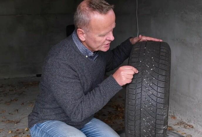 FARLIG: Ifølge dekkekspert Rune Korsvoll, kan vinterdekk være farlige å bruke på sommeren. foto: Dinside