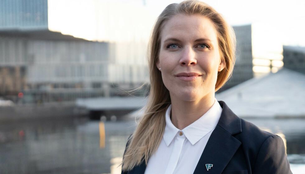 GODE KORT: Caroline Skarderud hos Forbrukerrådet understreker at Forbrukerkjøpsloven gir kundene gode kort på hånden når de opplever problemer av et slikt omfang som i Brosstads tilfelle. Foto: Forbrukerrådet