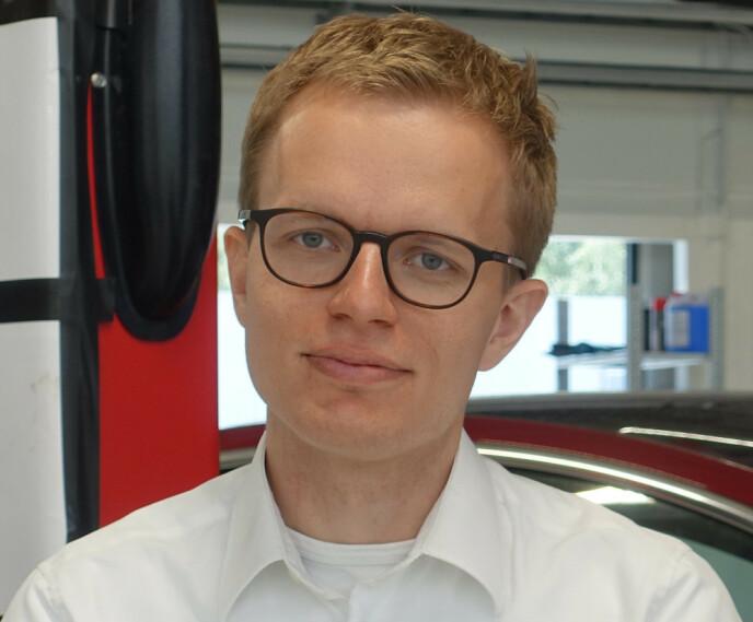ANBEFALER PIN-KODE: Teslas kommunikasjonssjef Even Sandvold Roland. Foto: Christina Honningsvåg