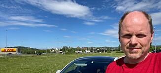 Morten stolte på bilens fartsgrense-indikator: Fikk 10.850 kroner i bot