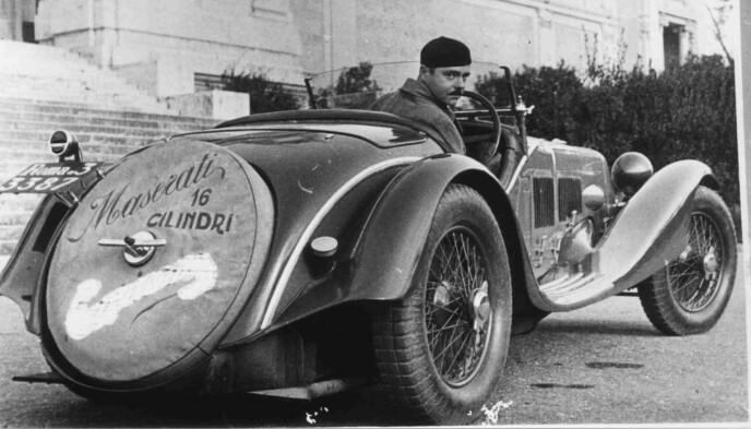 FARTSMONSTER: Maserati V4 knuste fartsrekordene for 92 år siden. Bilen hadde et forbruk på 5,2 liter bensin pr mil og ble produsert i kun to eksemplarer. Foto: Maserati