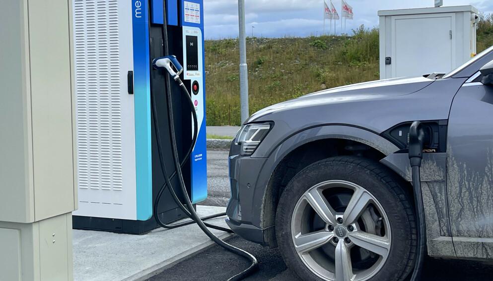 ELBIL-LANDET: Norge har kommet lengst i elektrifiseringen av bilparken. I juli 2021 var 64 av 100 nyregistrerte biler elektriske. Foto: Bjørn Eirik Loftås
