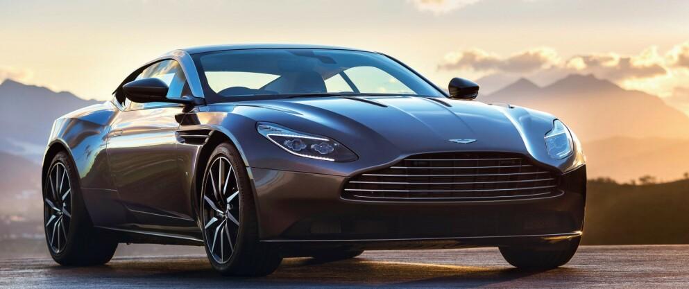 KAN BLI FØRST: Neste generasjon Aston Martin DB11 er en het kandidat til å første helelektriske modell fra britene, allerede i 2025. Foto: Aston Martin