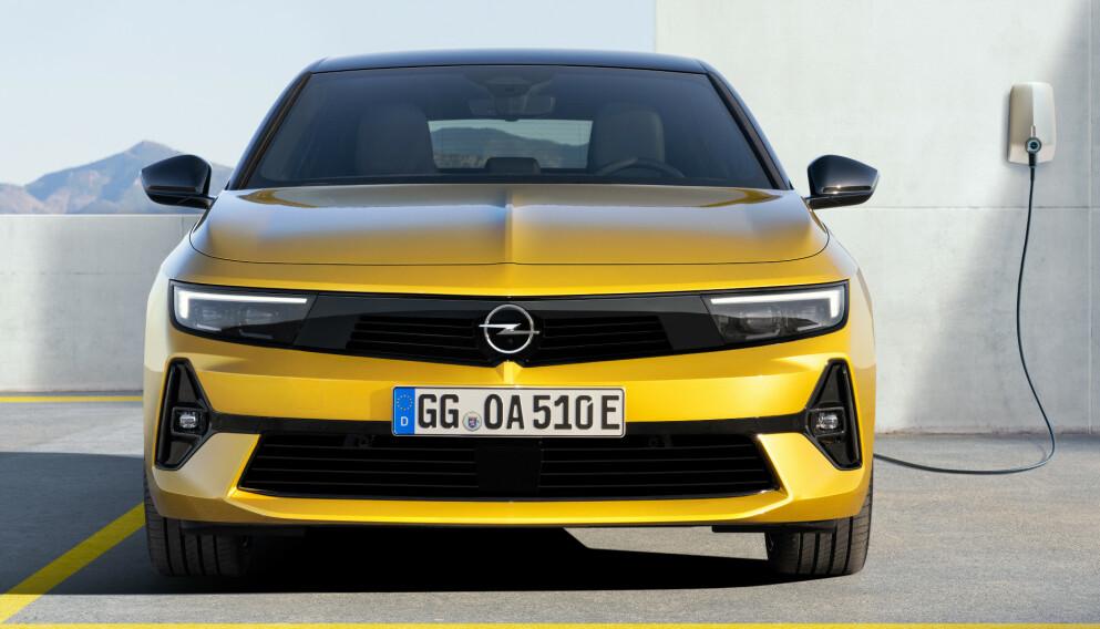 ASTRA-E: En gang var Astra en av Norges aller mest populære bilmodeller. I 2023 blir den revitalisert i helelektrisk utgave. Foto: Opel