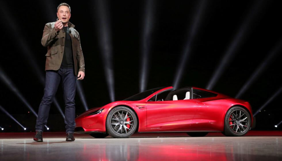 LYNENDE RASK: Tesla-sjef Elon Musk avduket Roadster 2 under en presentasjon i California 16. november i 2017. Foto: Tesla/REUTERS