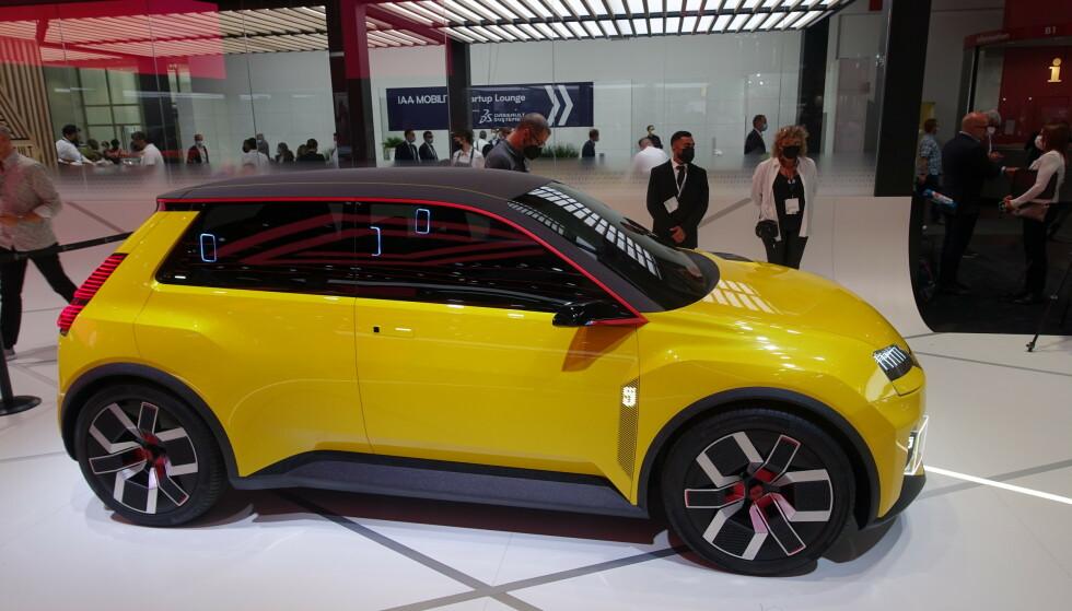 KONSEPTBIL: Renault har tatt med seg en konseptversjon av Renault 5, en bil som skal komme på markedet i 2022. Foto: Fred Magne Skillebæk