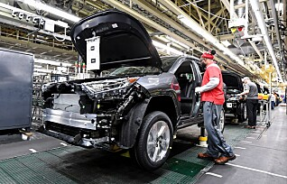 Toyota: - Vi skal halvere batterikostnaden