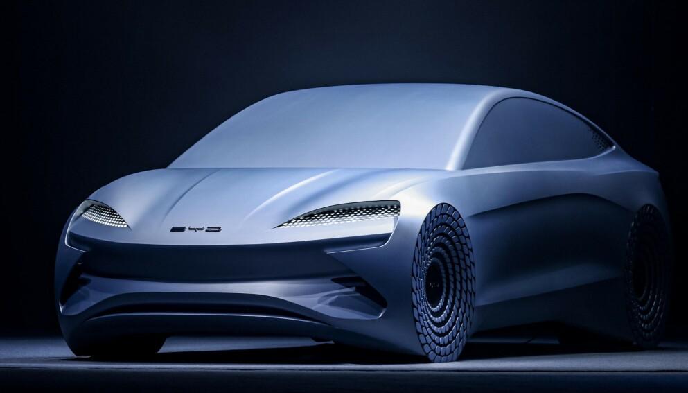 FLAGGSKIP: BYD Ocean-X blir en stor sedan med lang akselavstand, som muliggjør det største batteriet plattformen kan by på. Foto: BYD