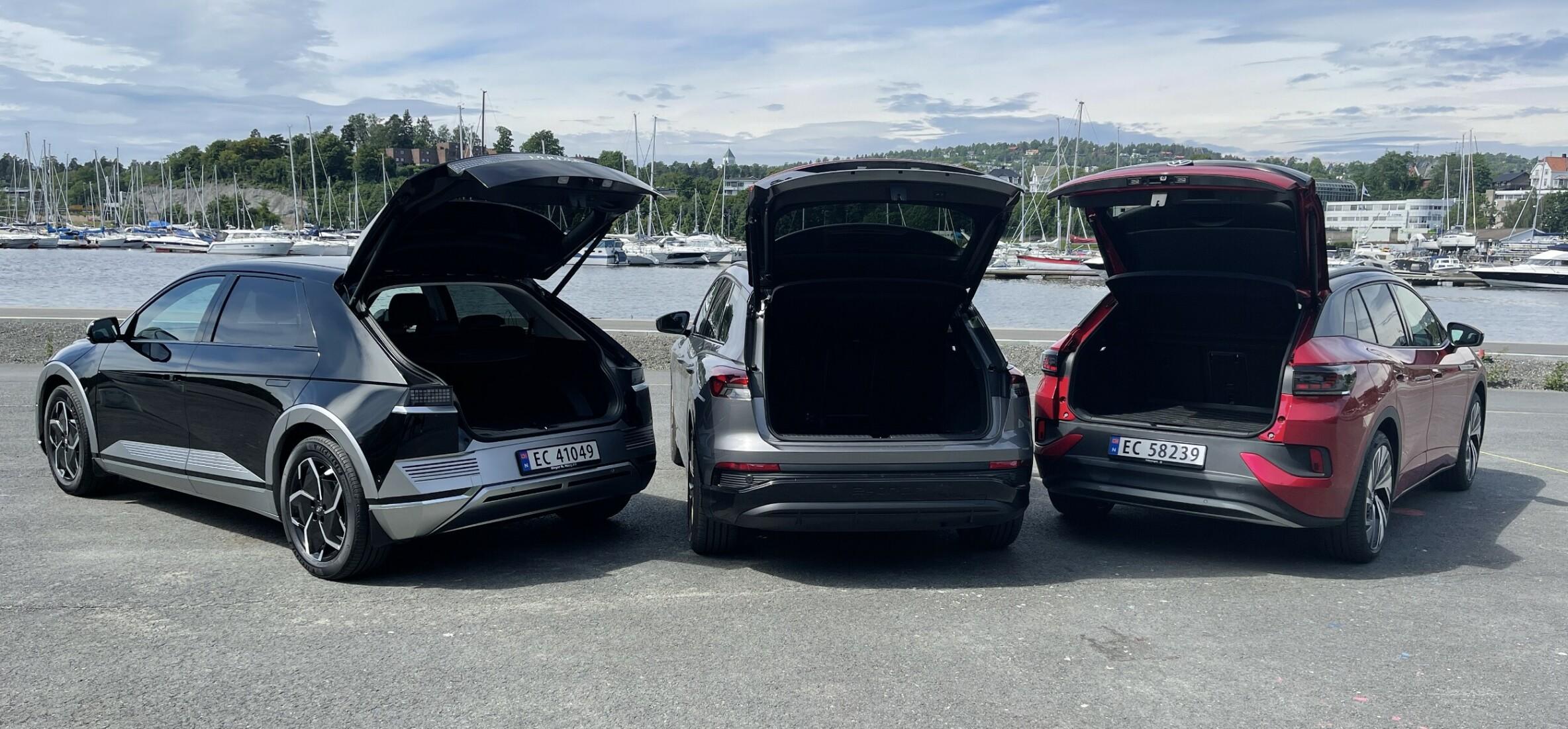 PLASS ER IKKE ALT: Selv biler med svært romslige bagasjerom og mange seter, har en grense for hvor mye vekt de er konstruert for å bære. Og den er ofte lavere på elbiler enn på konvensjonelle biler. Foto: Bjørn Eirik Loftås