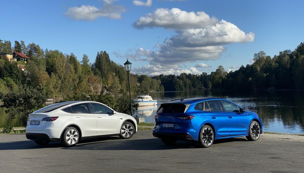 BIL MOT BIL: Tesla Model Y bryner seg på Skoda Enyaq. Foto: Fred Magne Skillebæk