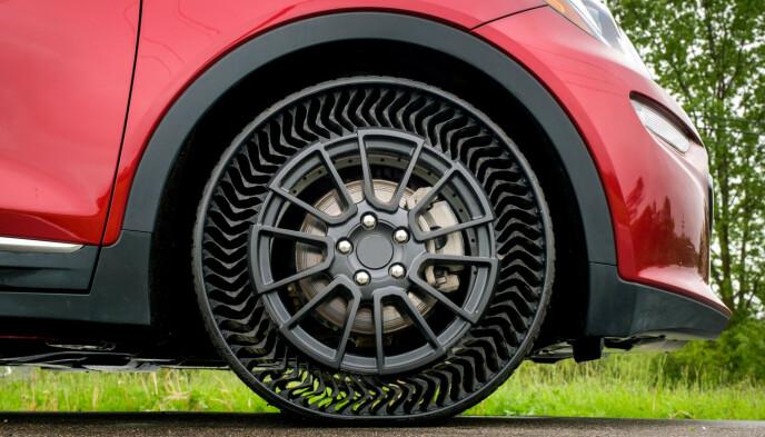 LUFTFRITT: Uptis skal fungere som et vanlig dekk, men kan ikke punktere. Foto: General Motors