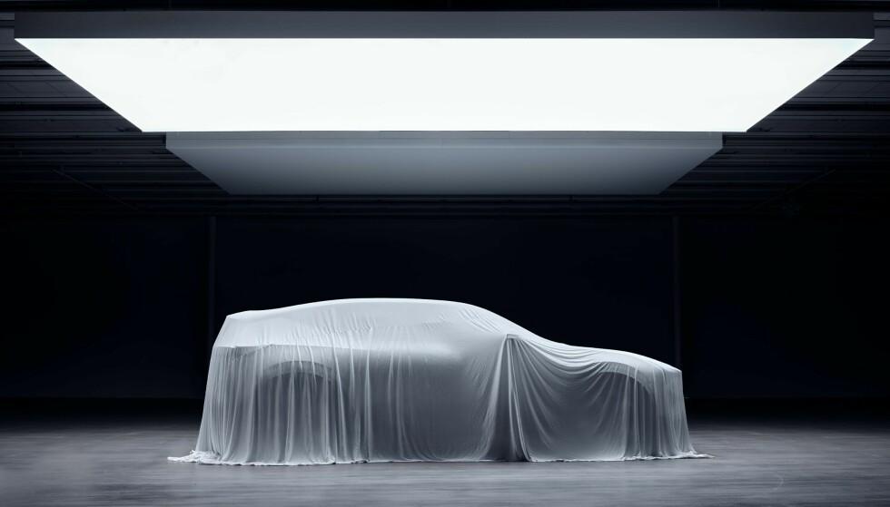 Polestar 3 blir etter planen tilgjengelig for kunder til neste år. SUVen er ventet å ta opp kampen med Tesla Model X, BMW iX og Audi e-tron. Foto: Polestar.