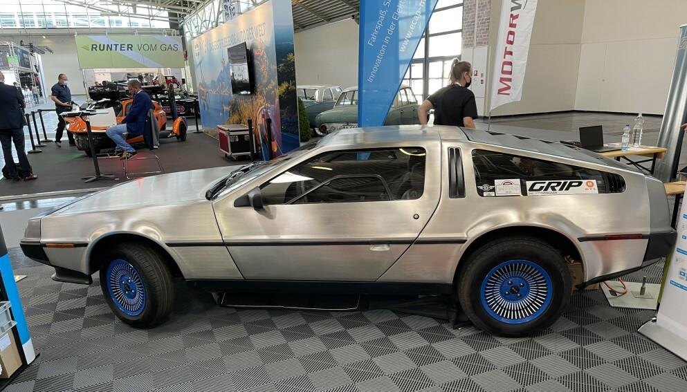ELBIL: Den elektriske utgaven av DeLorean DMC-12 har en toppfart som langt overgår den magiske hastigheten som tok bilen ut på historiske eventyr i Tilbake til fremtiden-filmene. Foto: Bjørn Eirik Loftås