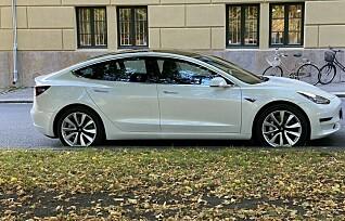Tesla-modeller ble 50.000 kroner dyrere over natten