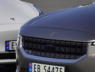 Image: Polestar 2 ypper seg på Tesla Model 3