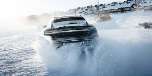 """Image: Elektrisk """"stasjonsvogn"""" fra Porsche"""