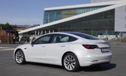 Image: Tesla: På topp i mars, helt ute av lista i april