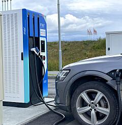 Image: Dyr strøm i sommer: Påvirker elbilene strømprisene?