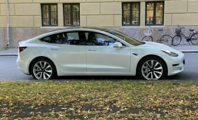 Image: Tesla-modeller ble 50.000 kroner dyrere over natten
